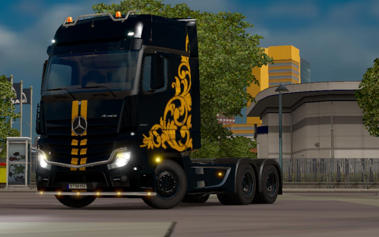 mercedes-mp-iv-black-yellow-skin-1-21_3