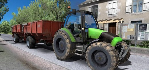 Tractor-in-Traffic_4XE6Q.jpg