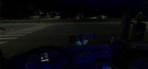 interior-light-for-all-trucks-v14-0-1-32-x_1