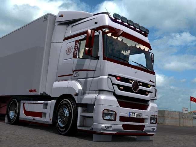 mercedes-benz-axor-custom-trailer-1-39x_1